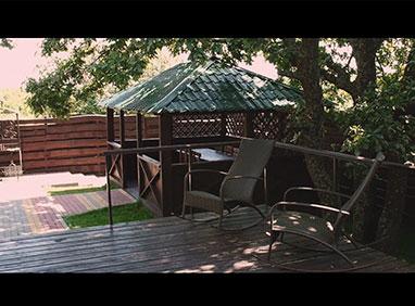 Видео Базы Отдыха «Медвежья берлога»